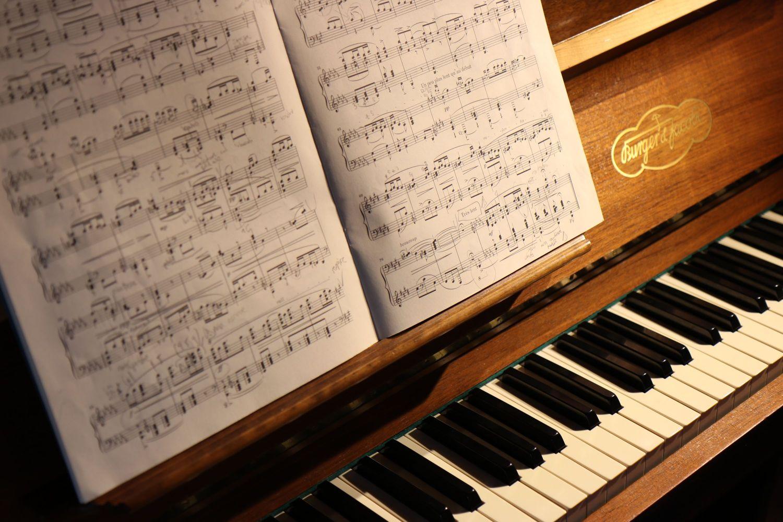 音楽の楽譜は記譜されて、ダンスはなぜ記譜されないのか。記譜法【ノーテーション】